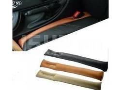 Защитные подушки между сиденьем и консолью