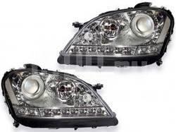 Фары передние линзовые хромированные, со светящимися ободками и с нижней светодиодной подсветкой, с мотором электрокорректора на Mercedes ML W164